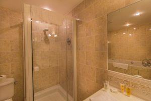 Swans_101_Bridal_Suite_Bathroom2